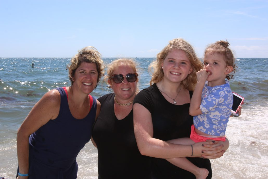 2016 Mowat-Family Beach Day - Connecticut