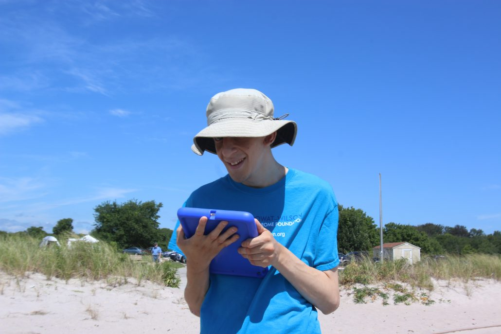 2016 Mowat-Family Beach Day - Connecticut